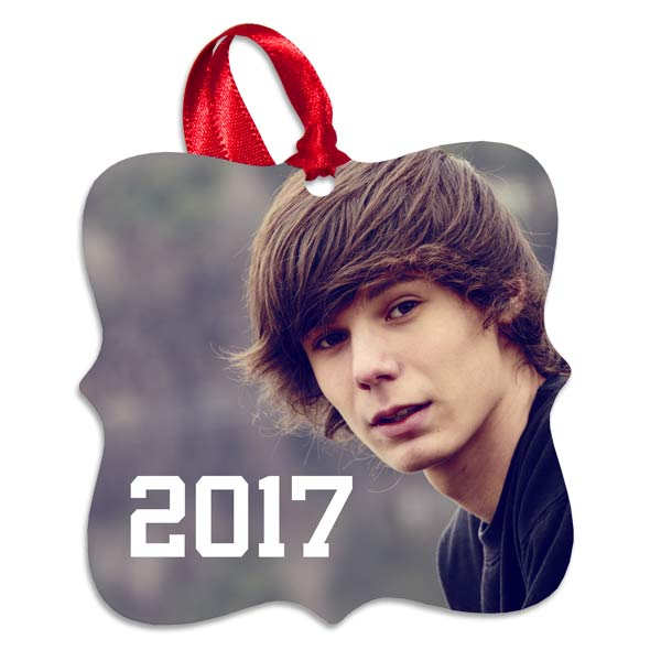Print your favorite holiday photo on our custom aluminum ornament for the perfect holiday keepsake.