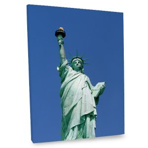 Add the iconic beauty of the Statue of Liberty to your decor with our quality photo canvas.