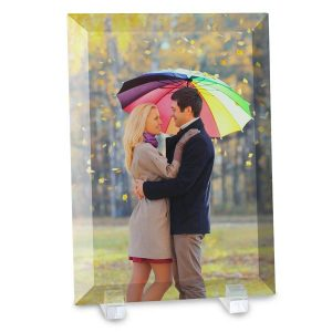 Print your picture on glass with Winkflash beveled glass photo prints with stand
