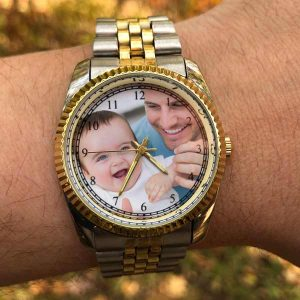Add your own picture to a watch and enjoy it with you all day