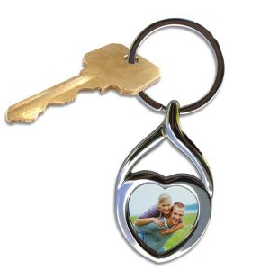 Create a beautiful twisted swirl heart photo key chain with a picture of a loved one