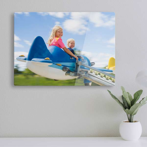 display photos in your home with high quality floating acrylic prints