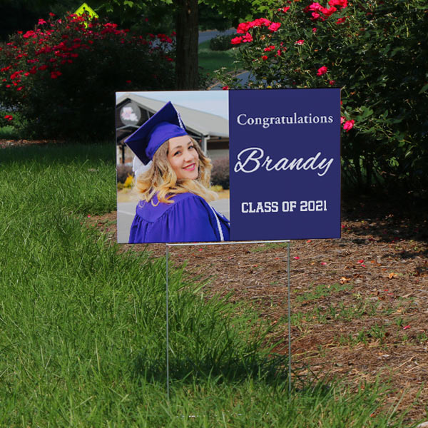 Plan for your graduation party and order your own custom yard sign to direct visitors